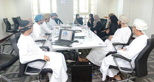 فريق مشروع التحول للحكومة الإلكترونية يناقش التحديات والإمكانيات المتاحة لتنفيذ الخطط المستقبلية