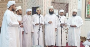 أمسية دينية احتفاء بذكرى المولد النبوي الشريف بالرستاق