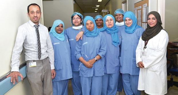 اجراء عملية جراحية لمريضة تعاني من نزول في الرحم من الدرجة الثالثة (نزول الرحم خارج القناة التناسلية)