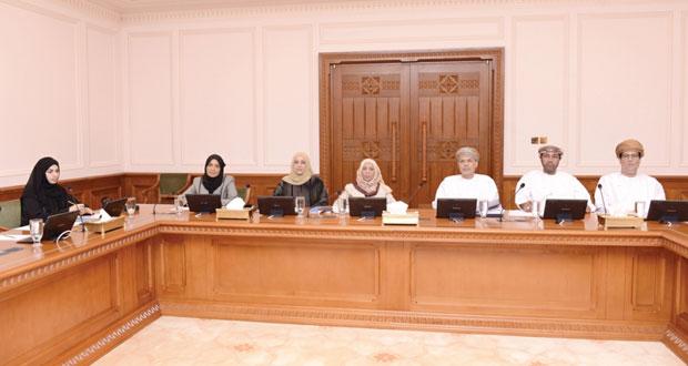 اللجنة الاجتماعية بمجلس الدولة تناقش جهود بلدية مسقط في مجال الصرف الصحي وحماية المياه من التلوث