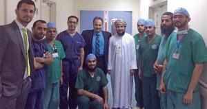 فريق طبي من المستشفى الجامعي يجري بنجاح عملية غلق فتحة في القلب بواسطة القسطرة