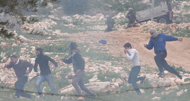 مواجهات عنيفة برام الله والاحتلال يطلق الرصاص الحي تجاه مسيرات الضفة