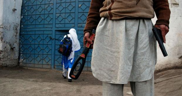 باكستان: استئناف الدراسة في (بيشاور) و7 قتلى بهجوم على ميليشيا حكومية