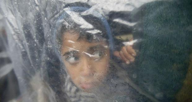 غزة تأن من (المنخفض الجوي) وفاة رضيعة وغرق عشرات المنازل