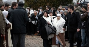 فرنسا: انتشار غير مسبوق للجيش وتصاعد الاعتداءات على المسلمين