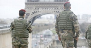 فرنسا: الشرطة تحاصر منطقة يشتبه في وجود منفذي (شارلي ايبدو) بداخلها