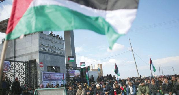 الاحتلال يواصل عدوانه ويصيب عشرات الفلسطينيين في الضفة