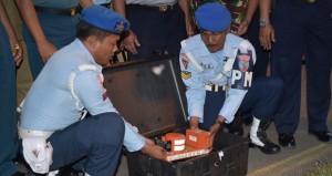 اندونيسيا: البدء في تحليل بيانات الصندوقين الأسودين للطائرة الماليزية
