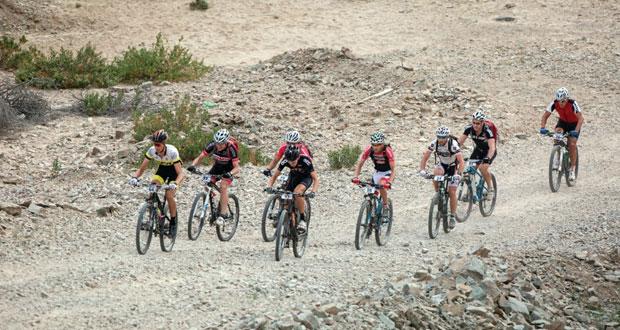 تأهب لانطلاق النسخة الخامسة لسباق اختراق جبال الحجر للدراجات الهوائية الجبلية