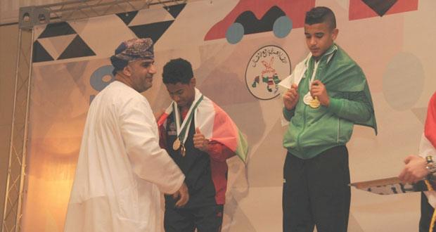 فوز لاعبنا أحمد الحبسي بخمس ميداليات منها ذهبية وفضية وثلاث برونزيات في الافتتاح