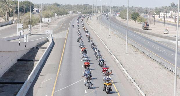 """مشاركة واسعة وتنافس كبير في """"مهرجان أسبوع الدراجات العماني الأول"""""""
