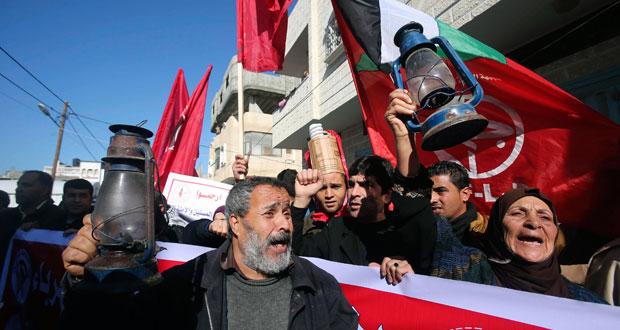 الفلسطينيون يدرسون مطاردة إسرائيل دوليًّا لحجزها أموال الضرائب