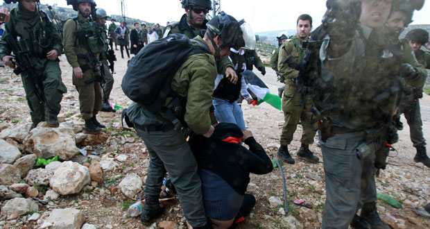 الفلسطينيون يرحبون بخطوة (الجنائية الدولية) ويتعهدون بتوثيق الانتهاكات
