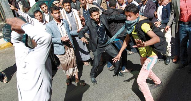 اليمن: مسلحون قبليون بالعاصمة و(الحراك) يستولي على نقاط عسكرية بالشرق