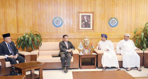 رئيس مجلس إدارة غرفة تجارة وصناعة عمان يلتقي وفدا من بروناي دار السلام