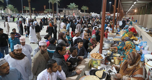 مهرجان مسقط يتخطى ربع مليون زائر خلال أسبوعه الأول