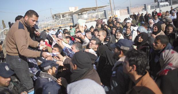 """مصر تفتح """" رفح """" استثنائيا حتى غد الخميس"""
