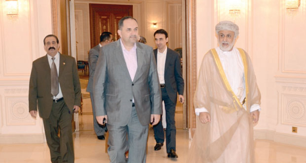 وزير العدل الأردني يغادر السلطنة