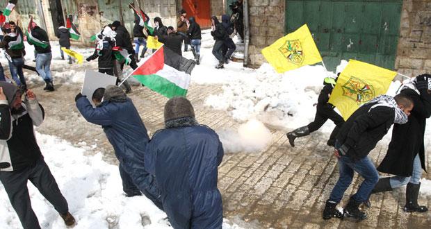 """الاحتلال يفتح النار بـ """" الجلزون """" وتحذيرات من انهيار السلطة"""