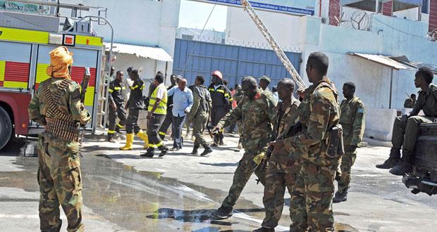 الصومال: عشرات القتلى في هجوم استهدف فندقا بمقديشو