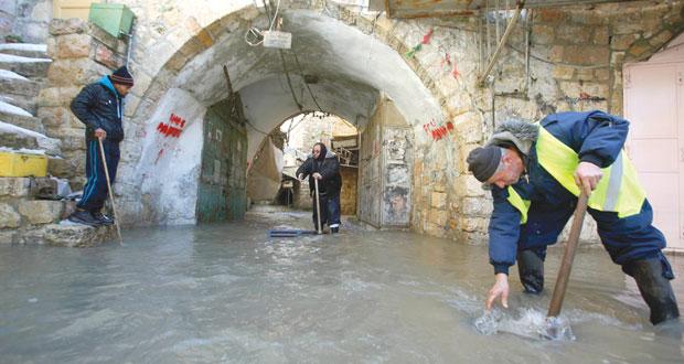الاحتلال ينتهج الإساءة للأطفال الفلسطينيين  في سجونه ومستوطنوه يرهبونهم خارجها