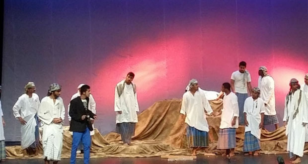 نصوص المهرجانات المسرحية في سلطنة عمان بين سياق الكلمة ودلالة اختيار الفعل ( 5 – 5 )