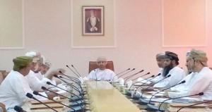 اجتماع لجنة شئون البلدية بعبري