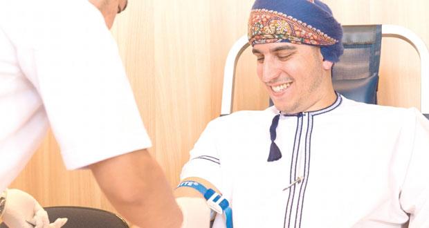 """تفاعل كبير مع حملة التبرع بالدم في دار الاوبرا السلطانية مسقط تحت عنوان """"إحتفاء بالحياة نتبرع بالدم"""""""