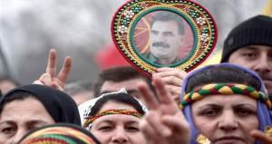 تفريق احتجاجات ضد السياسات التعليمية للحكومة التركية آلاف الأكراد يتظاهرون في فرنسا للمطالبة بالإفراج عن اوجلان