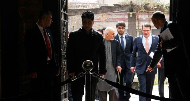 وزير دفاع أميركا الجديد يستهل ولايته بزيارة مفاجئة إلى كابول