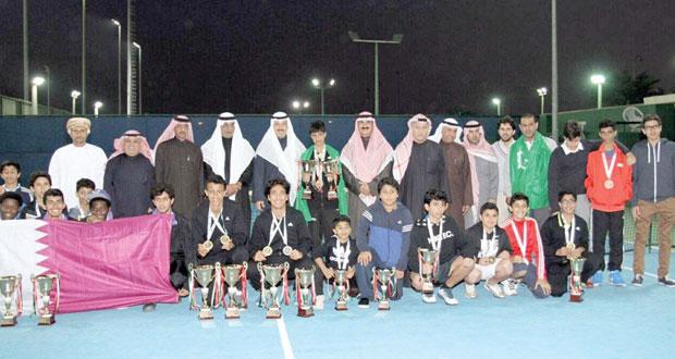 في بطولة كأس الخليج للتنس بالكويت .. عبدالله البرواني يحصل على الميدالية البرونزية تحت 18 سنة