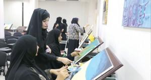 مرسم الفنون التشكيلية بصحار يقيم دورة تدريبية لأعضائه