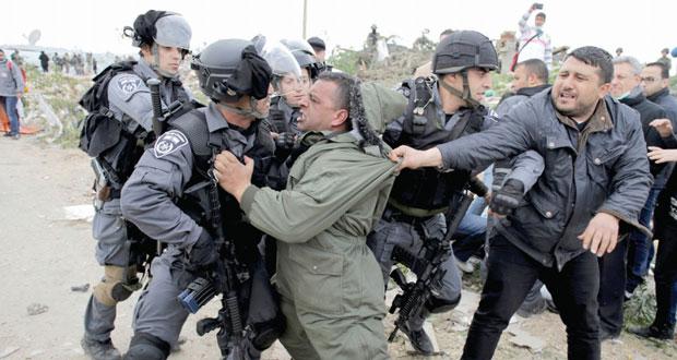 الاحتلال يفتح النار في غزة ويشن حملة قمع واعتقال بالضفة والقدس