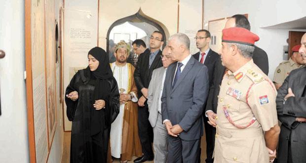 رئيس مجلس النواب المغربي يزور متحف قوات السلطان المسلحة