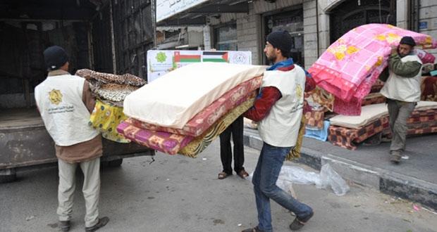 مساعدات عمانية إغاثية لمتضرري المنخفض بغزة