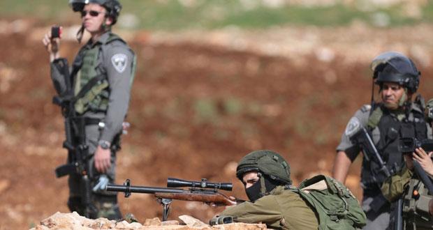 الاحتلال يصعد عدوانه ضد الفلسطينيين ويقمع مسيرة سلمية