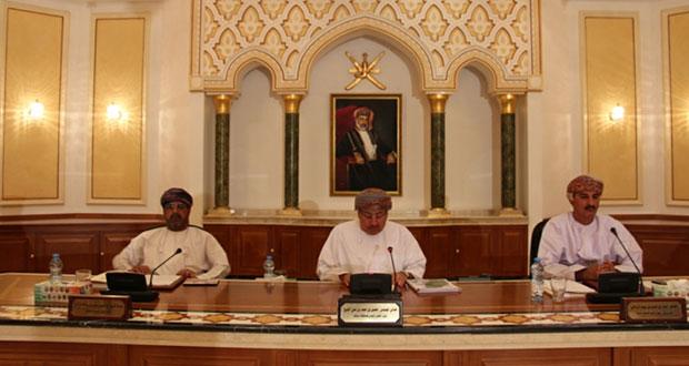 بحث التعاون بين بلدي مسقط وشرطة عمان السلطانية لتقليص ساعات الذروة المسموح بها للشاحنات