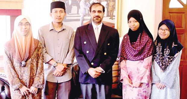 سفير السلطنة ببروناي يلتقي برئيس جامعة السلطان شريف علي الاسلامية