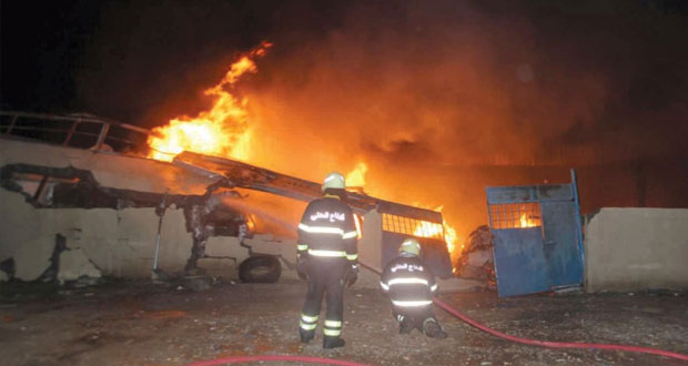 """مصرع """"6″ أشخاص نتيجة حريق بمصنع لتدوير البلاستيك بصناعية البريمي"""