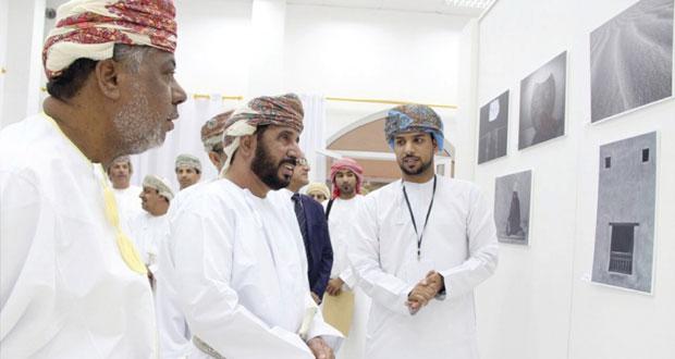 افتتاح ملتقى التصوير الضوئي السابع بكلية العلوم التطبيقية بالرستاق