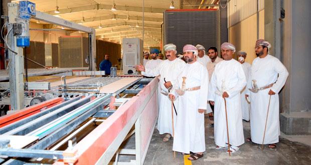 منطقة صحار الصناعية تنظم لقاء تعريفيا لأعضاء المجلس البلدي بشمال الباطنة حول مشاريعها الاستثمارية احتفالا بيوم الصناعة