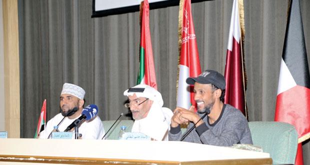 """""""النيروز"""" لفرقة مسرح مسقط الحر تقدم عرضها وتحظى بإشادة الجمهور والنقاد في المهرجان الشارقة للمسرح الخليجي"""