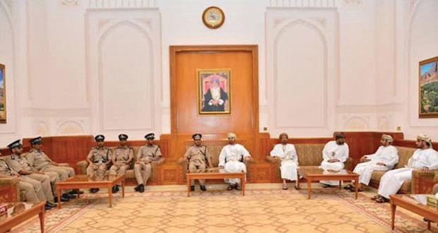 رئيس مجلس الشورى يستقبل عدداً من الضباط بشرطة عمان السلطانية