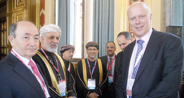 """مؤتمر """" القمة العالمية للقانون """" بلندن يواصل أعماله بمشاركة السلطنة"""