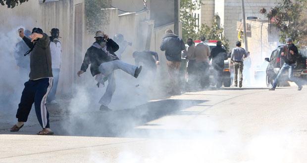 فلسطين : وقف التنسيق الأمني والاحتلال يفتح النار على مسيرات الضفة السلمية