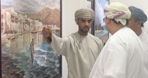 """صالة """"رواق الفنون"""" بالنادي الثقافي تحتضن معرض """"أطياف"""" لسبعة فنانين عمانيين"""