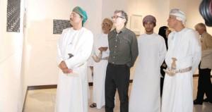 """معرض """"ذكرى"""" يقدم أربعين لوحة تجسد فن الخط العربي"""