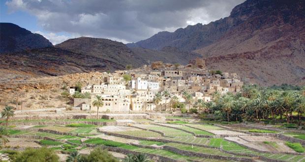 """""""مجموعة أكسفورد للأعمال"""" تطلق تقريرها الاقتصادي """" عمان 2015 """" وتشيد بجهود السلطنة في تنويع مصادر الدخل"""