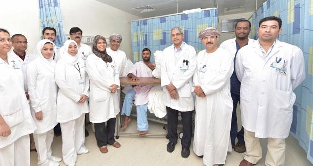إنجاز جديد يحققه مستشفى خولة بزراعة أربعة أصابع مبتورة ليد مصاب