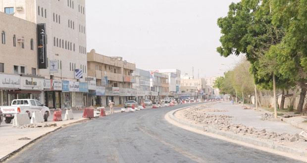 بلدية ظفار تنفذ مشروع إعادة تأهيل وتطوير شارع السلام